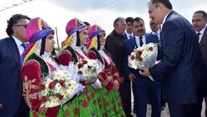 Bakan Özhaseki: Devletin gönderdiği paralar dağa gönderildi
