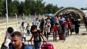 Bayram için ülkelerine giden Suriyelilerin son gün yoğunluğu