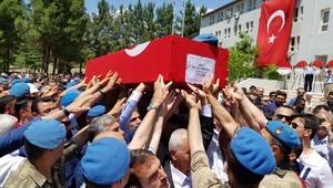 Siirtte askeri araca EYPli saldırı: 1 şehit, 2 yaralı (3)
