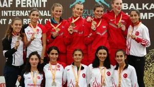 Türkiyeden Sprint ve Bayrak Kupasında 24 madalya