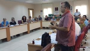 Sağlık çalışanlarına akılcı laboratuvar kullanımı eğitimi
