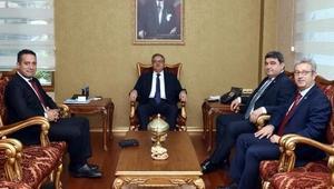 CHPli milletvekilleri Vali Suyu ziyaret etti