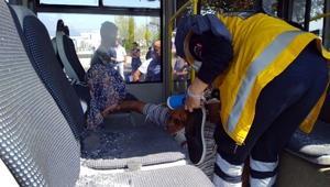 Beton mikseri, halk otobüsüne çarptı: 3 yaralı