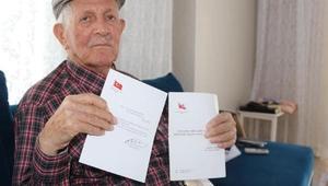 88 yaşında, 40 yıldır birlikte çalıştığı bürokratlara bayram mektubu yazıyor