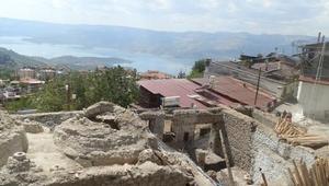 Tarihi Karamanoğlu Hamamı restore edilecek