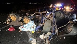 Aksarayda TIR ile otomobil çarpıştı: 2 ölü