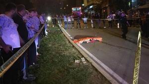 Halk otobüsü ile çarpışan motosikletteki 2 arkadaş öldü