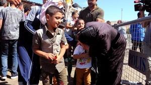 Suriyeli kadın, 4 yıl sonra oğlu ve torunlarına kavuştu