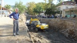 Burhaniye'de sel baskınına önlem olarak kanal açılıyor