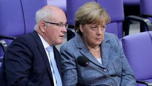 Merkel'in destekliği aday seçimi kaybetti, partide kriz çıktı