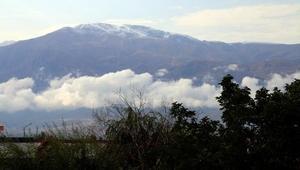 Erzincanın yüksekleri beyaza büründü