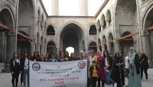 Başkaleli kadınlar, Karadenizi gezdi