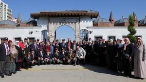 Aksaray Belediyesi, şehit aileleri ve gaziler için kültür gezisi düzenledi
