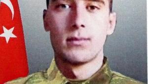 Kaza kurşunu ile şehit olan askerin cenazesi memleketine uğurlandı