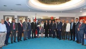 Muhtarlar Günü Kutlama Komitesi Vali Demirtaş'a ziyaret etti
