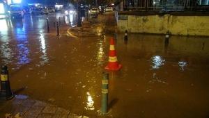 Bandırmada yağış hayatı olumsuz etkiledi
