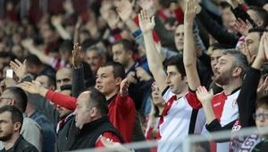 Yılport Samsunspor taraftar rekorunu kırdı