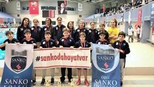 Yüzme yarışmasına SANKO damgası