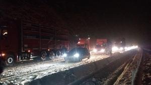 Konyada ulaşıma kar engeli: Araçların geçişine izin verilmiyor