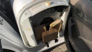 Otomobildeki termosifonlardan eroin ve Afyon sakızı çıktı