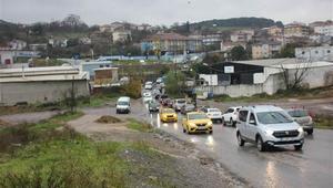 Son dakika... Dikkat Maltepede aşırı yağış: Araçlar güçlükle ilerledi