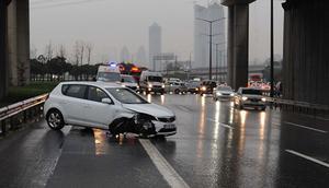 İstanbulda cuma kabusu ... Trafik kilit