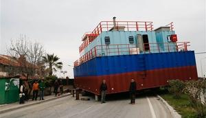 Tekne taşıyan TIR arıza yaptı, trafik durdu