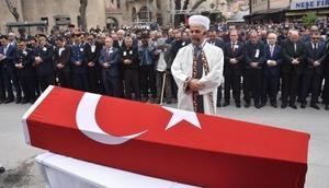 Şehit polis Murat Ködük Kütahyada toprağa verildi