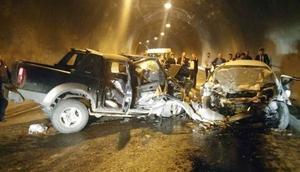 Artvinde tünelde trafik kazası: 3 ölü, 3 yaralı