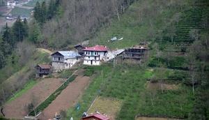 Trabzonda fırtına can aldı, HES bağlantı borusu patladı, yolları su bastı - fotoğraflar
