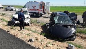 Şırnakta polis memurunun otomobili başka otomobille çarpıştı: 1 polis öldü, 2si polis 4 yaralı