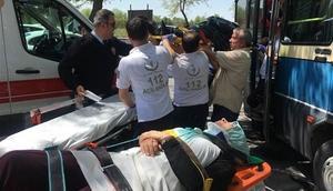 Kontrolden çıkan yolcu minibüsü ağaca çarptı: Yaralananlar var