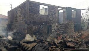 Kastamonuda 5 ev, 4 ahır yandı