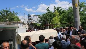 Muğladaki kazada ölen güvenlik görevlisi kadın, Adıyamanda toprağa verildi