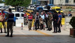 Elazığda PKK operasyonu şüphelisi 17 kişi adliyede