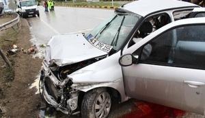 Kastamonuda otomobil kamyonla çarpıştı: 3 ölü