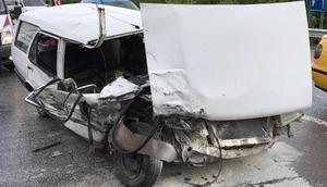 Kocaelide 2 otomobil çarpıştı: 10 yaralı