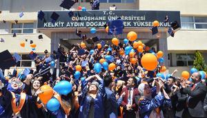 Kelkit Aydın Doğan Meslek Yüksekokulu'nda 12'nci mezuniyet coşkusu