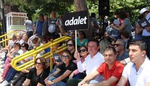 CHP Burdur Teşkilatı oturma eylemi yaptı