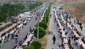 Aksaray Belediyesinden 8 Bin kişiye iftar