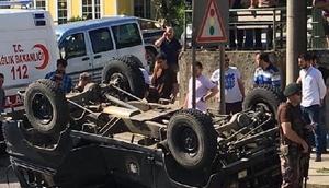 Trabzonda polis aracı devrildi: 7 polis yaralandı