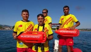 Balıkesirde 50 cankurtaran 7 bot ile görevde