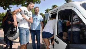 Antalyada Hero tişörtü giyen sevgililer gözaltında