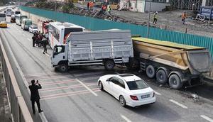 İstanbulda zincirleme trafik kazası