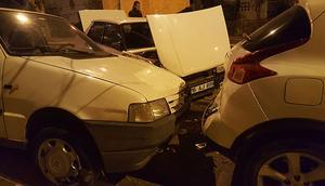 Aracıyla park halindeki 8 araca çarpıp kaçtı