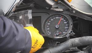 TEMde korkunç kaza 130 kilometre hızla çarptı