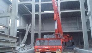 İzmirde inşaatta çökme: 1 ölü, 1 yaralı (2)