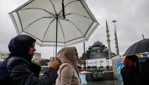 AKOMdan sel uyarısı geldi... İstanbulda hava durumu nasıl olacak