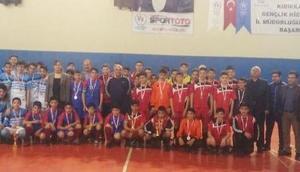 Yıldız Erkekler Futsal'da Kırıkkale Merkez Atatürk Ortaokulu şampiyon oldu