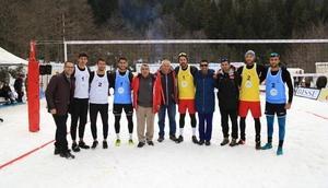 Artvinde Kar Voleybolu Türkiye Şampiyonası yapıldı